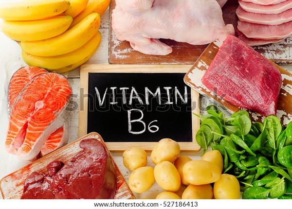 Potraviny s vitamínem B6 (pyridoxin). Zdravé jídlo. Pohled shora