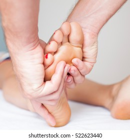 Foot massage as part of osteopathy