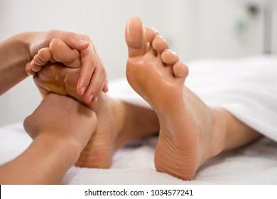foot massage reflexology therapy