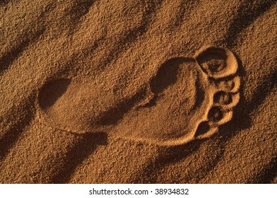 Footprint mark on the desert's sand