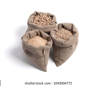 Forage for livestock. 3 bags. Large, medium and small granules. Isolate. Samples