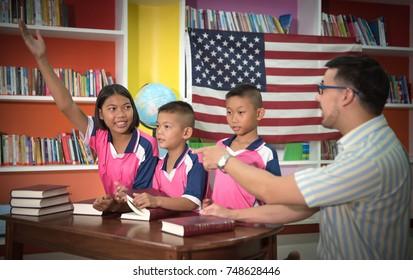 Foreign teachers Teaching thai students