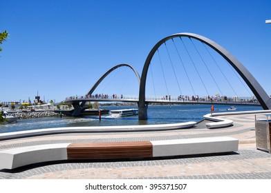 Foreshore and bridge with tourists at Elizabeth Quay in Perth/Elizabeth Quay Pedestrian Bridge/PERTH,WA,AUSTRALIA-FEBRUARY 13,2016: Elizabeth Quay bridge with tourists  in Perth, Western Australia.