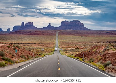 Forest Gump Hill, a scenic lookout at the Monument Valley, USA