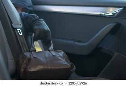 forgotten bag in the back seat, stolen by hand, black glove