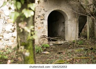 forgotten village in slovenia