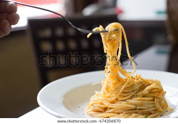 Fork on Garlic Spaghetti