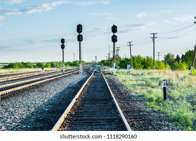 The fork on the train tracks and semaphore