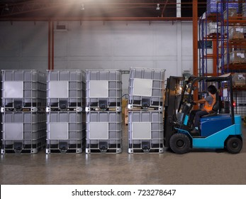 Forklift handling container for solvent storage in the warehouse and factory,Handling plastic storage drum