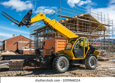 Forklifts in the construction of a single-family house
