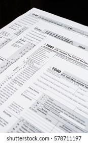 Form 1040 Individual Income Tax return form. Form 1041 U.S. Income Tax Return for Estates and Trusts. United States Tax forms 2016/2017.Form 1040EZ Income Tax Return