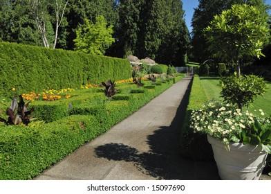 formal garden in minter gardens