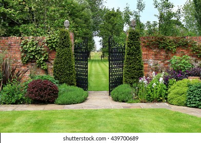 Topiary Garden Images Stock Photos Vectors Shutterstock