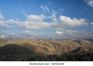 The formation and movement of spring clouds over the high mountains of the Caucasus and the extinct volcano Elbrus