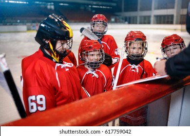 Formation strategy in game hockey matches