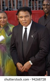 Former boxer MUHAMMAD ALI at the 10th Annual ESPY Sports Awards in Hollywood. 10JUL2002.   Paul Smith / Featureflash