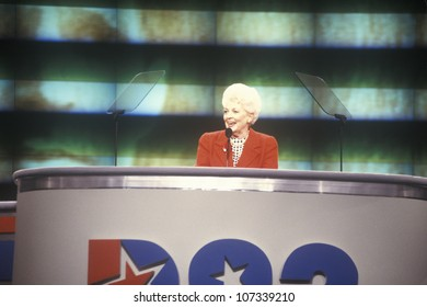 Former Texas Governor Ann Richards addresses crowd at the 1992 Democratic National Convention at Madison Square Garden, New York