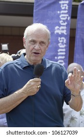 Former U.S. Senator and actor of Law & Order, Fred Thompson speaking to crowd at Iowa State Fair during his campaign for U.S. President, August 17, 2007, Des Moines, Iowa