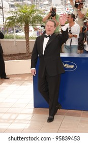 """Former US Vice President AL GORE at the photocall for """"An Inconvenient Truth"""" at the 59th Annual International Film Festival de Cannes. May 17, 2006  Cannes, France.  2006 Paul Smith / Featureflash"""