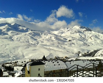 Formigal, ski station in the Aragonese Pyrenees. One of the best ski resorts in the south of the Pyrenees with all services and amenities