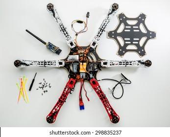 Imágenes, fotos de stock y vectores sobre Repair Drones