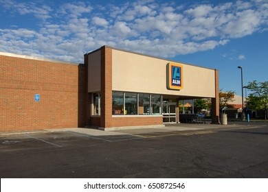 Fort Gratiot, Michigan, USA - May 30, 2017: Exterior of Aldi's supermarket. German based Aldi's bills itself as a discount supermarket chain with over 10,000 stores worldwide.