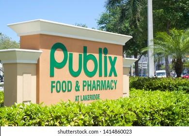 Fort Lauderdale, Florida, USA - April 10 2015 : Publix Supermarket Sign at the main entrance