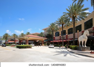 FORT LAUDERDALE, FLORIDA, USA - MAY:  The Galleria at Fort Lauderdale, Palm Court main entrance, an upscale shopping mall within walking distance of the Fort Lauderdale Beach as seen on May 19, 2019.