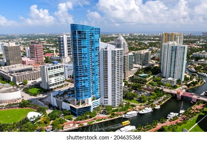 FORT LAUDERDALE,FLORIDA - OCTOBER 25:Fort Lauderdale on october 25,2010.It is a popular tourist destination, with an average year-round temperature of 77 degrees and an annual 3,000 hours of sunshine