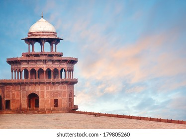 Fort Tower, detail of Taj Mahal architectural complex in Agra, India