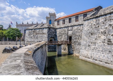 Fortress in Plaza de las Armas in the Old Havana neighborhood, Cuba