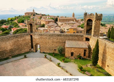 Fortress and town of Montalcino in Val d'Orcia, Tuscany, Italy. The fortress was built in 1361 atop the highest point of the town.