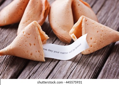 Fortune cookies with prediction selective focus