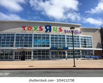 "FOSTER CITY, CA/USA - MARCH 22, 2018: Toys ""R"" Us is an American toy and juvenile-products retailer founded in 1948. On 15 March 2018, it was announced that Toys ""R"" Us is officially going out of busi"