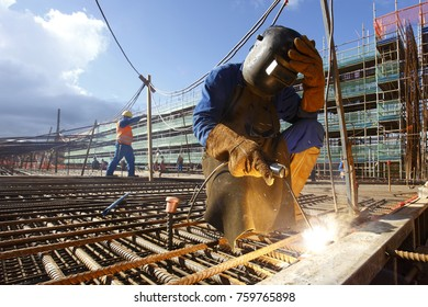 Foundation welding to receive concrete