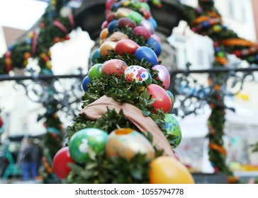 Fountain decorated Easter eggs / Well decorated Easter eggs
