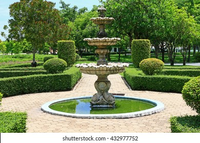 garden riverstone xl fountain the head green