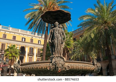 Fountain at Plaza Real. Plaza Real (Plaça Reial) lies next to La Rambla and constitutes a well-known touristic attraction.