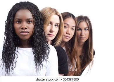 Vier Frauen mit unterschiedlicher Ableitung einzeln