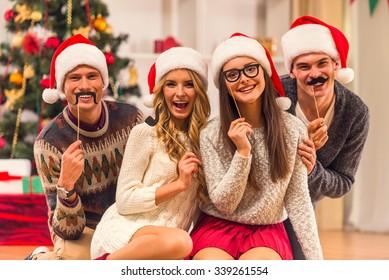 Fotos Cena Navidad Frinsa.Imagenes Fotos De Stock Y Vectores Sobre Familia Cena De