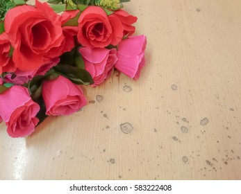fower on wooden table background
