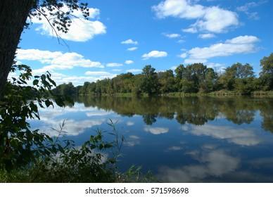 Fox River, Silver Springs State Park, Yorkville, Illinois USA
