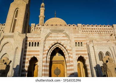 Fragment details of large mosque Islamic religion