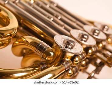 Fragment french horn closeup