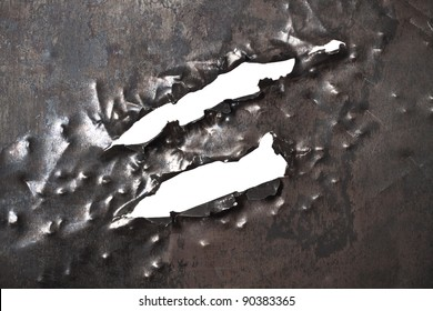 Fragmentary aperture on a metal plate