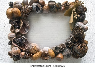 Frame of mixed nuts