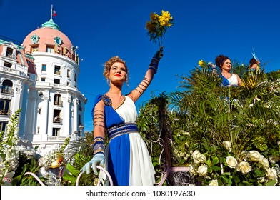 France, Alpes-Maritimes (06), Nice. Carnival, flower battle on the Promenade des Anglais