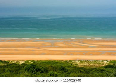 "France, the beach ""Omaha"" is located in Normandy in northern France and stretches 31.6 km, between Isigny-sur-Mer over Vire in the west and Port-en Bessin in the east. during the Second World War, the"