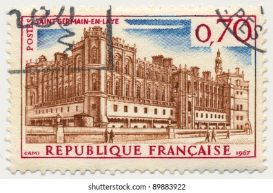 FRANCE - CIRCA 1967: A stamp printed in France shows Saint-Germain-en-Laye, circa 1967