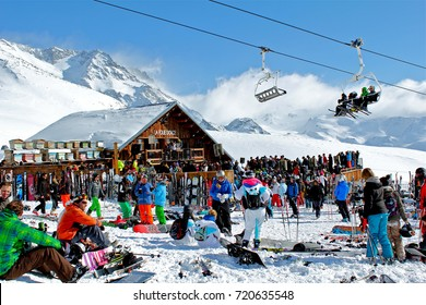Folie Douce Val Thorens Images Stock Photos Vectors Shutterstock